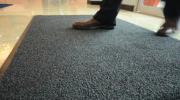 Как правильно выбрать ковёр в прихожую и коридор