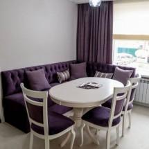 Главный акцент интерьера кухни - стол